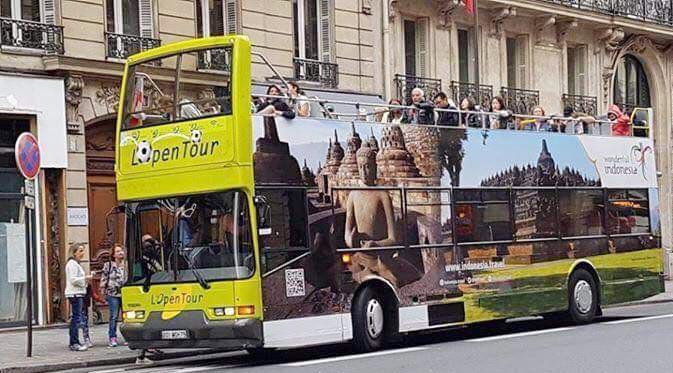 Logo Wonderful Indonesia lengkap dengan gambar atraksi alam dan budaya Indonesia akan terpampang di 20 bus city tour di Kota Paris(2)